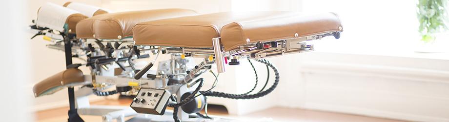 Behandlungsliege in der Chiropraktik